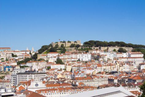 Vista del castillo de San Jorge desde el mirador del Elevador de Sta. Justa (Lisboa).